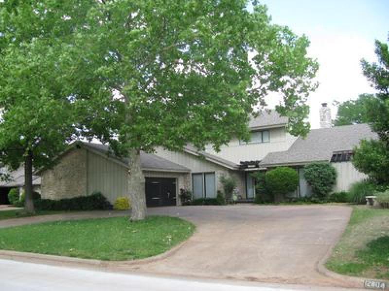 12804 Saint Johns Dr, Oklahoma City, OK 73120