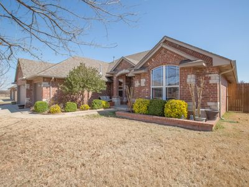 2104 Mulberry Creek Ave, Yukon, OK 73099