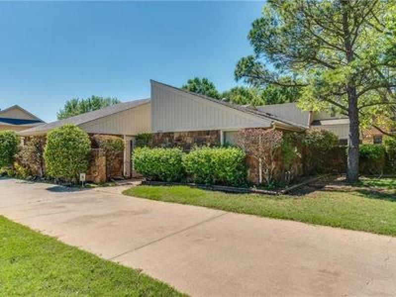 10601 Lakeridge Run, Oklahoma City, OK 73170