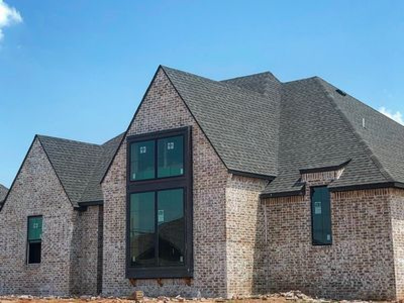 2224 W Mickey Dr, Mustang, OK 73064