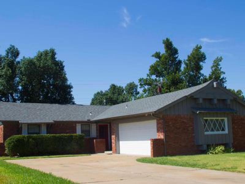 2928 Lakeside Dr, Oklahoma City, OK 73120