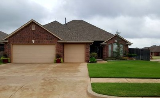 624 N Bobcat Way, Mustang OK 73064