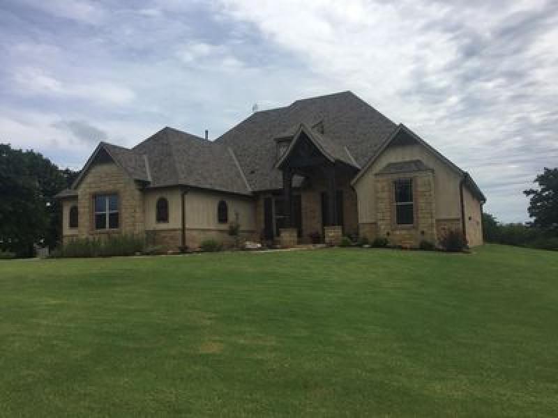 14500 Oaks Crossing Rd, Oklahoma City, OK 73165