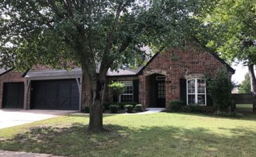208 S Redwood Pl, Broken Arrow OK 74012