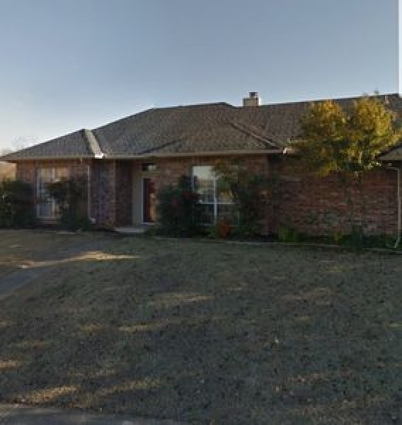 601 Old English Rd, Edmond, OK 73003
