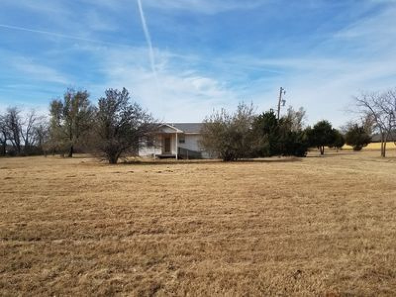1801 W Ritter Way, Mustang, OK 73064