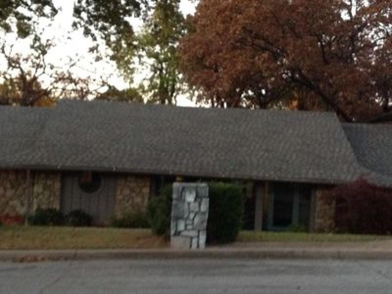 3221 E 80th St, Tulsa, OK 74136