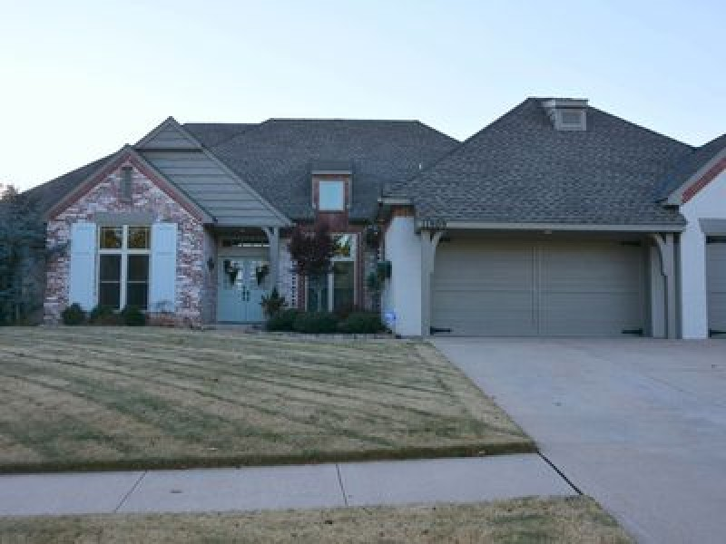 11909 Rosemeade Ct, Oklahoma City, OK 73162