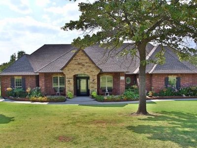 2635 Forest Oaks Dr, Choctaw, OK 73020