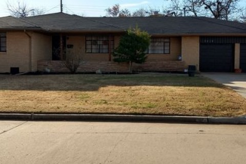 3216 NW 69th St, Oklahoma City, OK