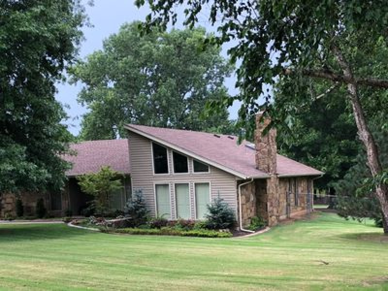 925 Willow Dr, Choctaw, OK 73020