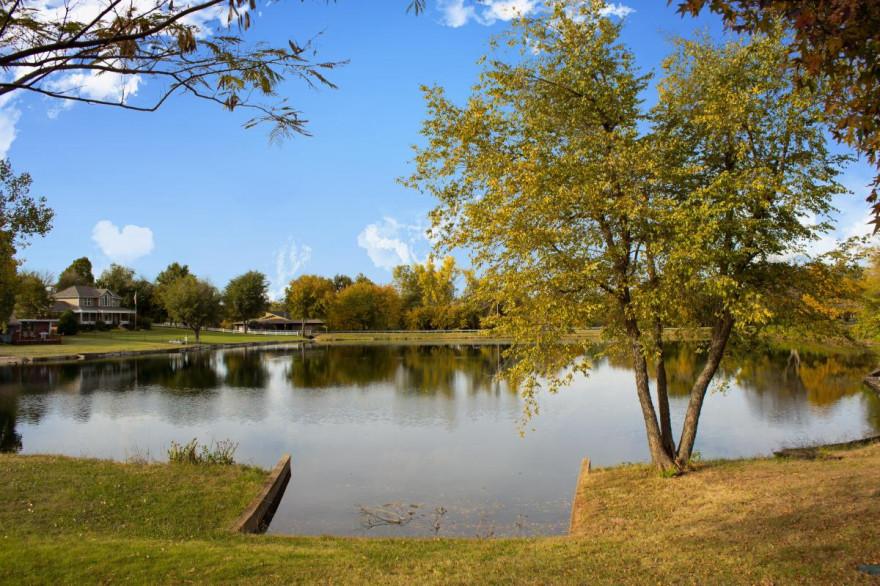 9513 Lake Lane, Oklahoma City, OK 73162