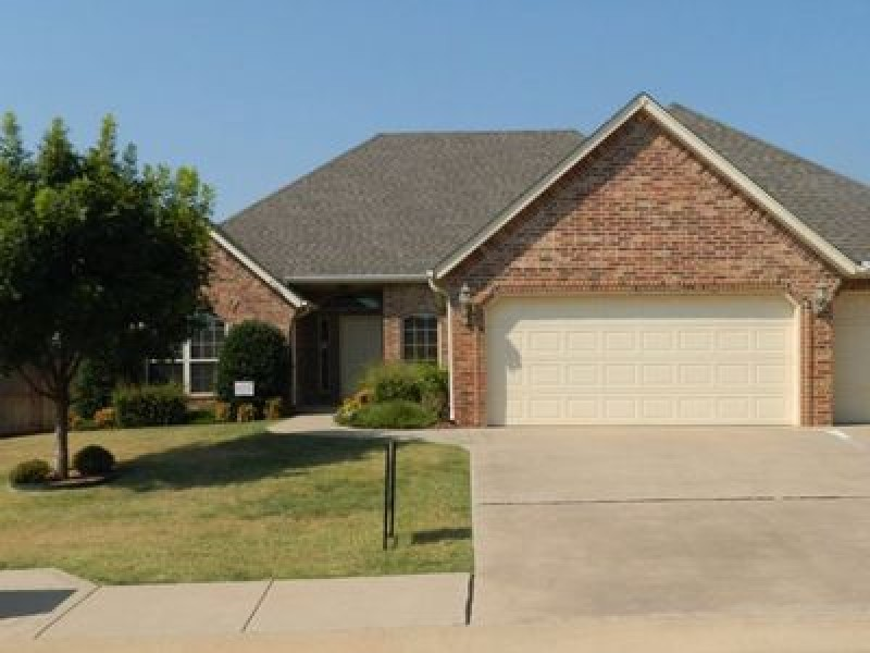 11913 Gwendolyn Ln, Oklahoma City, OK 73131