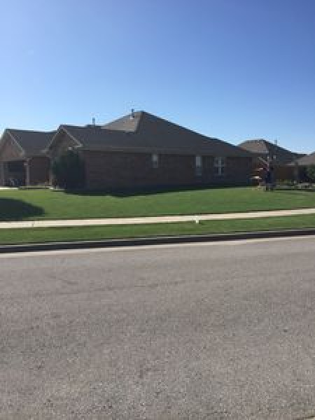 801 SW 32nd St, Moore, OK 73160