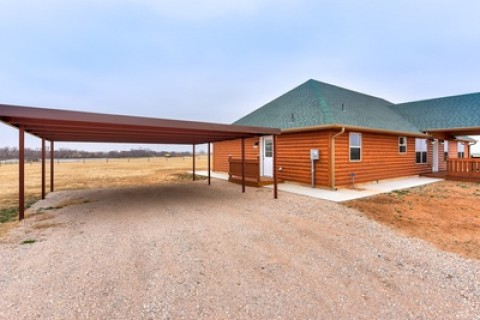 680 County Street 2886, Tuttle, OK