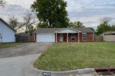 8521 E 47th Pl, Tulsa, OK